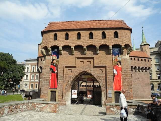 interrail-cracovie-remparts