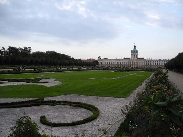interrail-berlin-chateau-charlottenburg