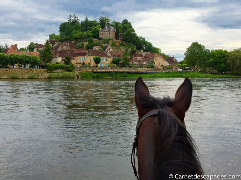 balade-cheval-vue-limeuil