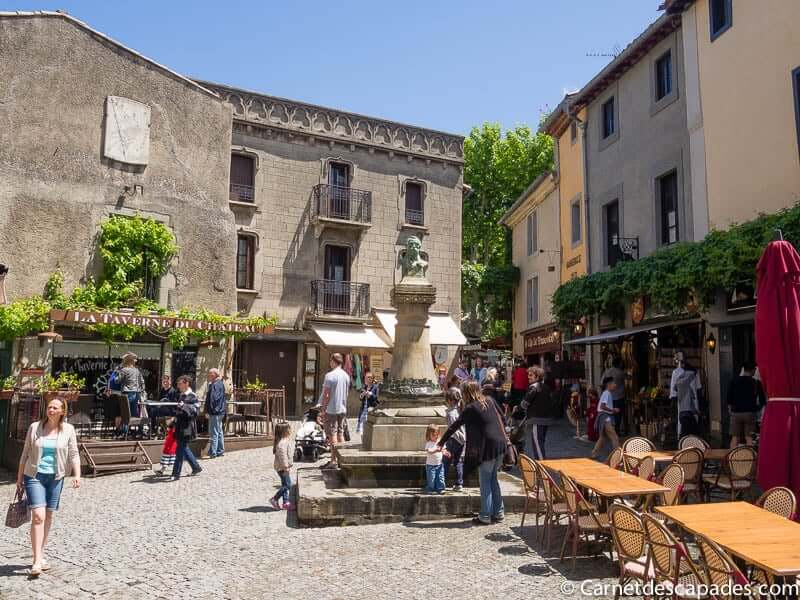 carcassonne-place-chateau