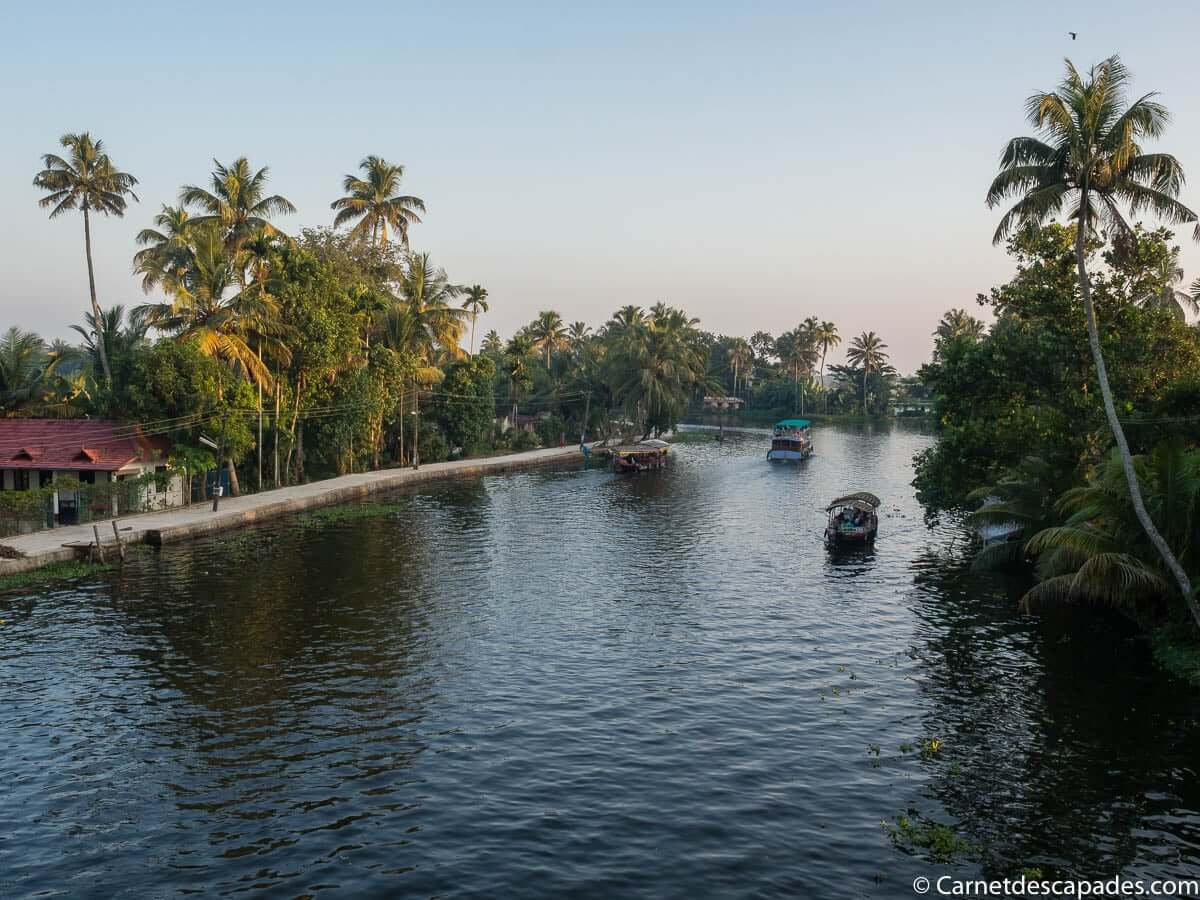 backwater-alleppey-kerala