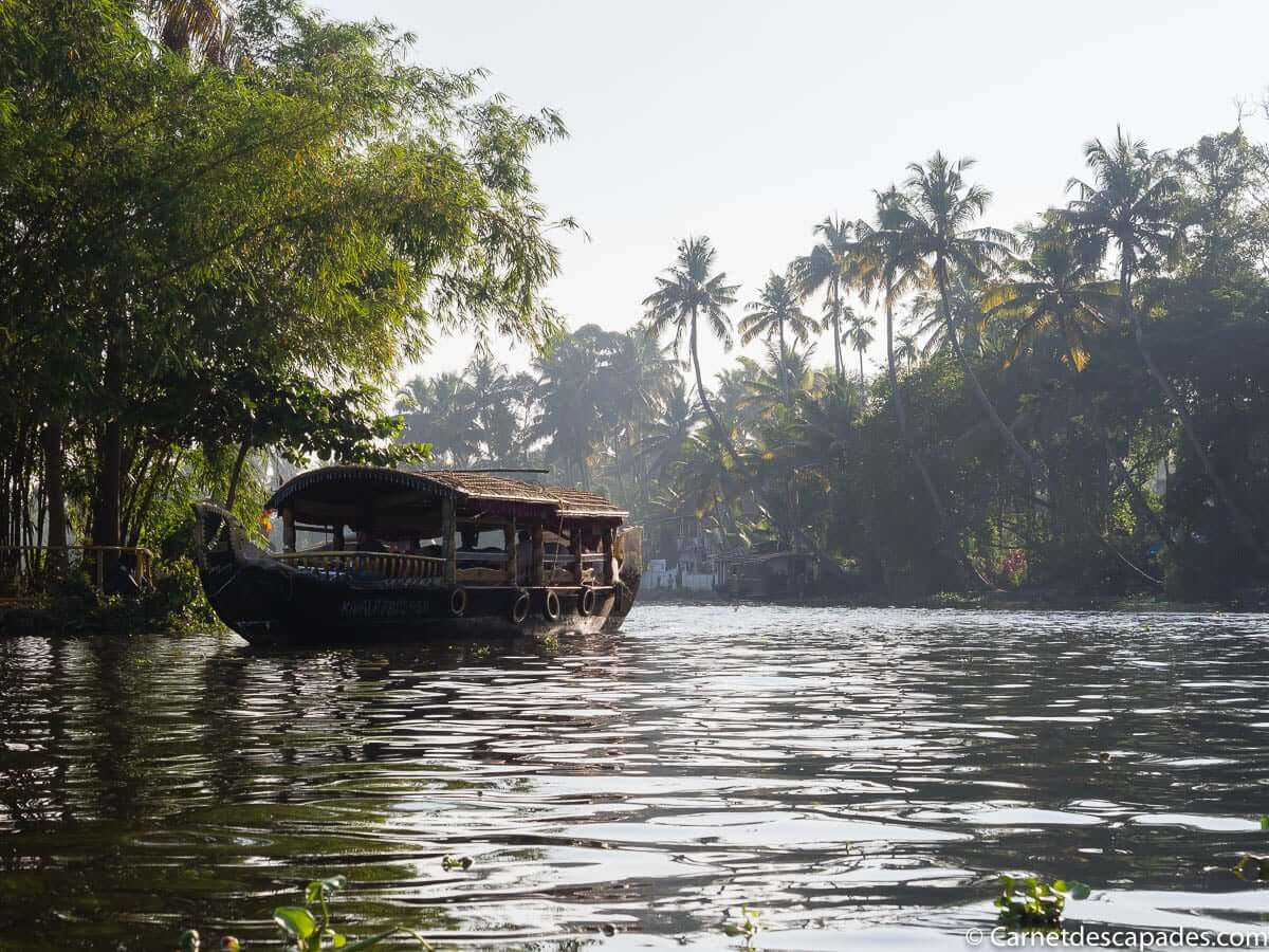 houseboat-backwater-kerala