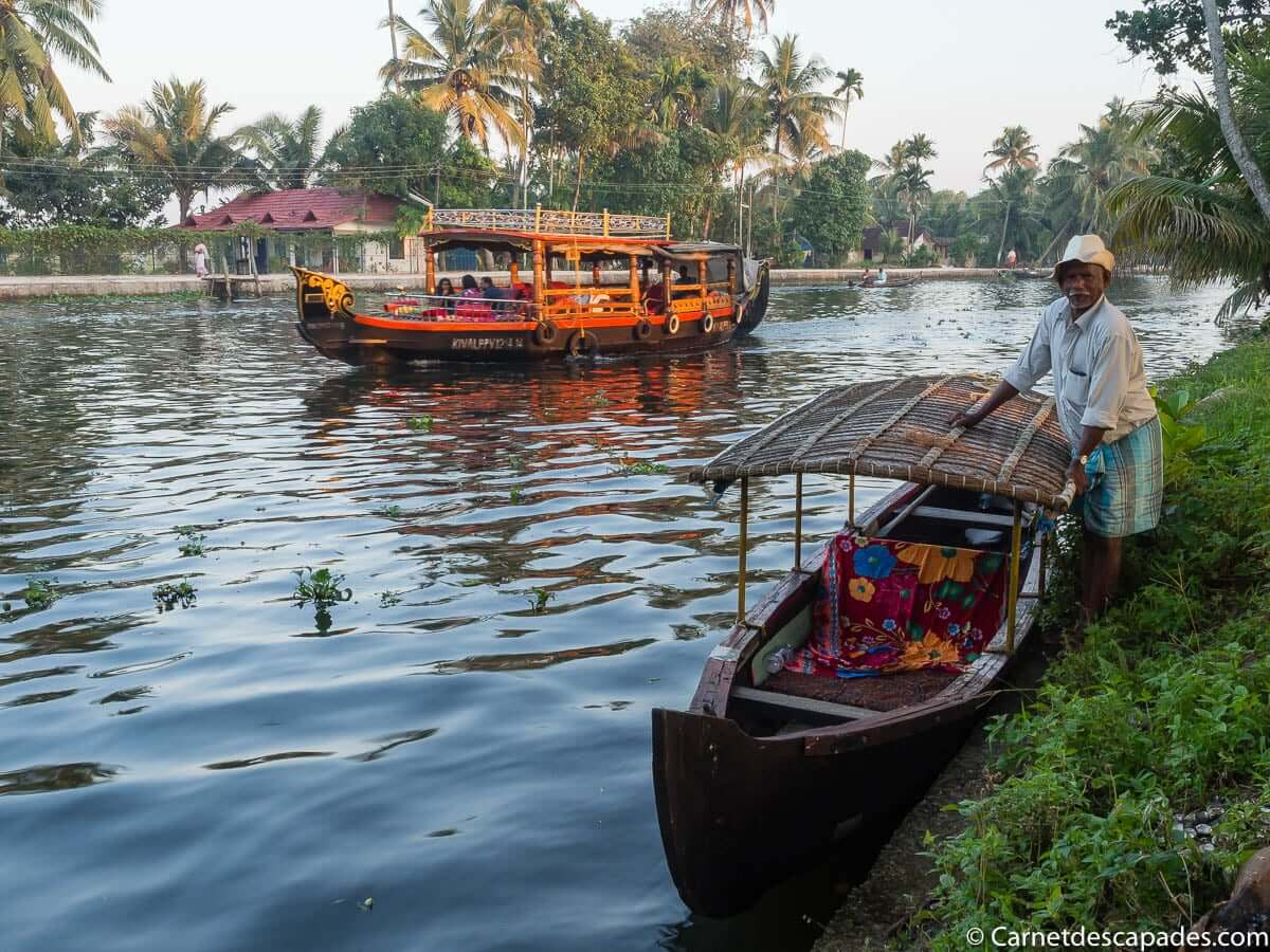 pirogue-rame-backwaters