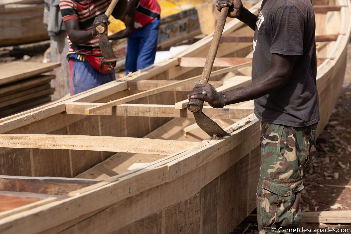 construction-pirogue-senegal