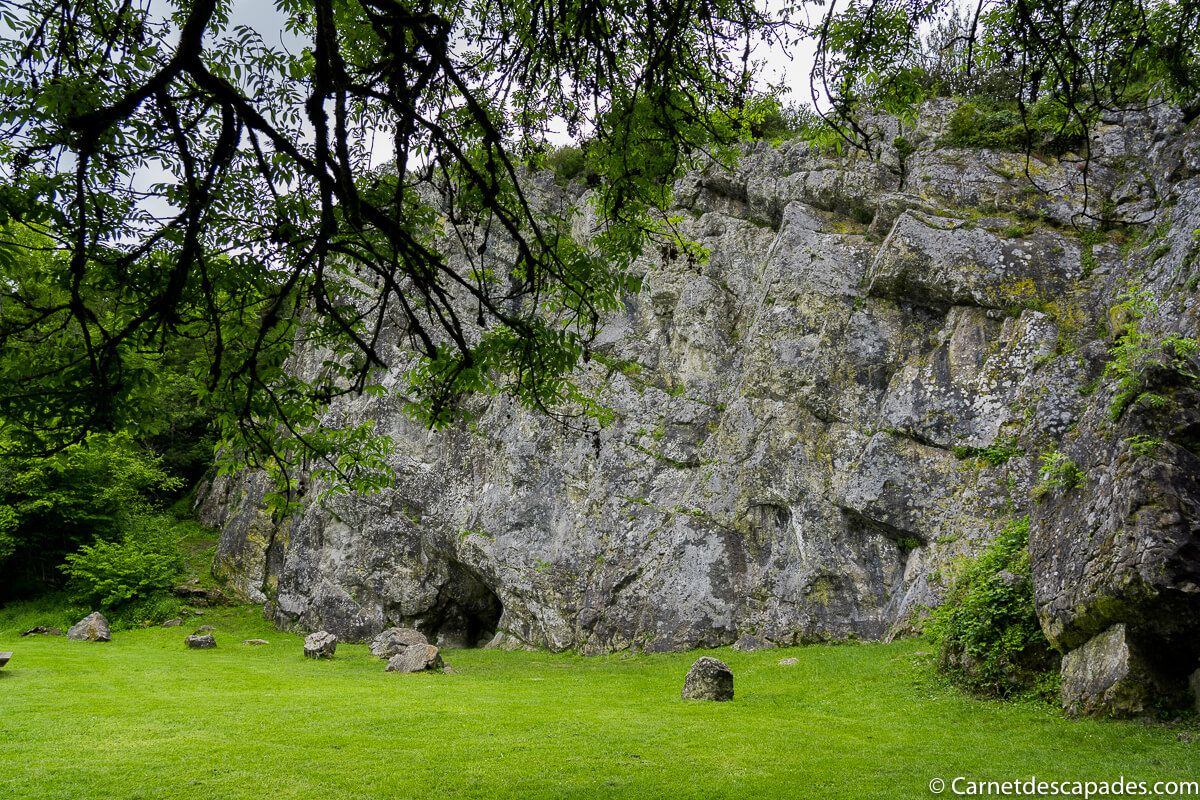 saulges-vallee-grottes
