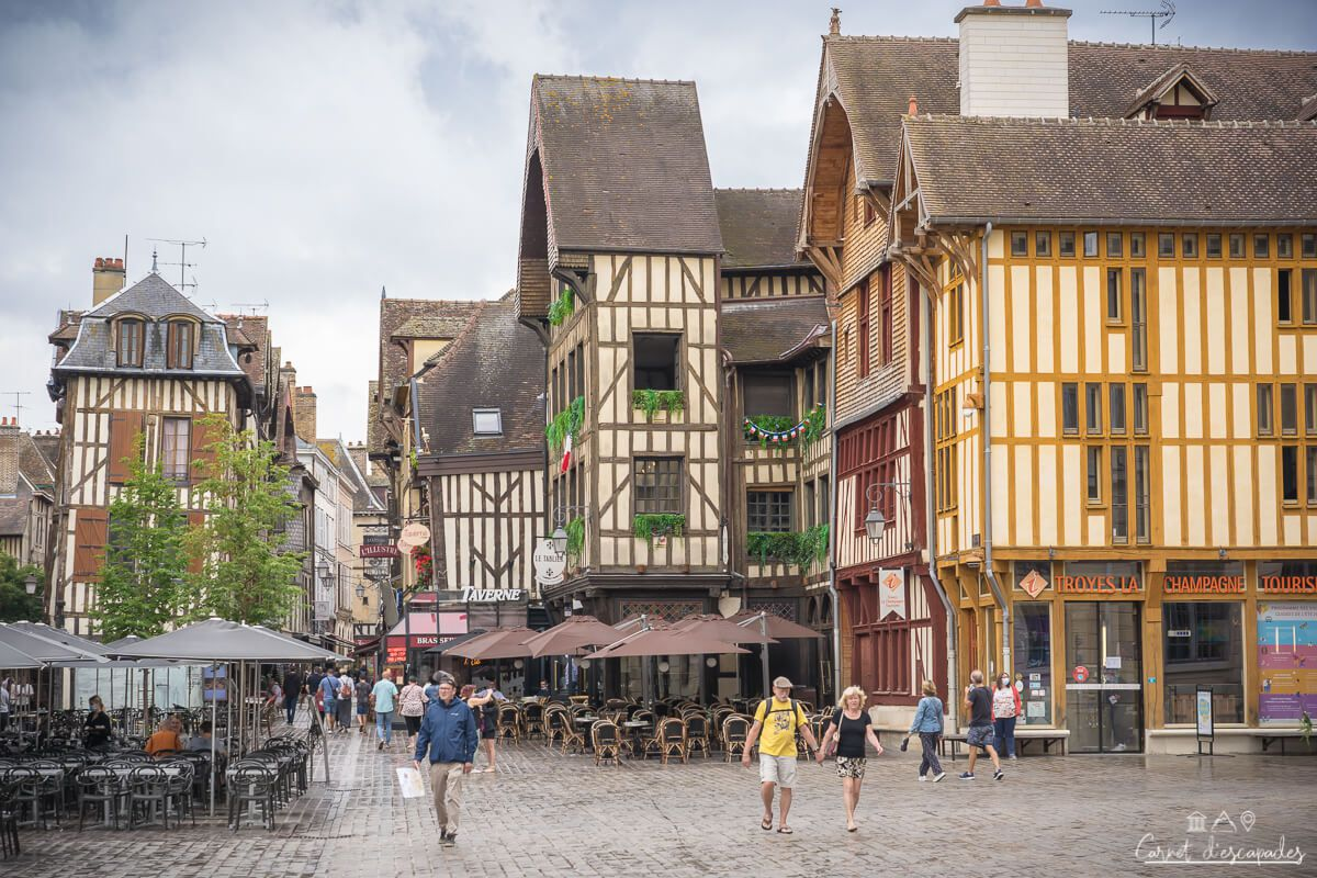 place-hotel-ville-troyes